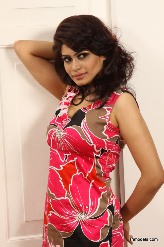 Sri Lankan Model -Hirunika Premachandra-1 | srimodels.com
